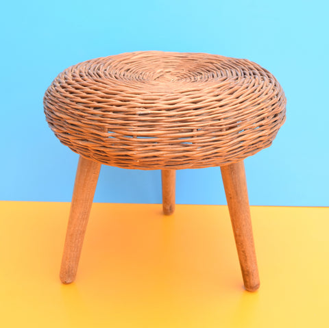 Vintage 1960s Wicker Stool - Tapered Screw In Legs