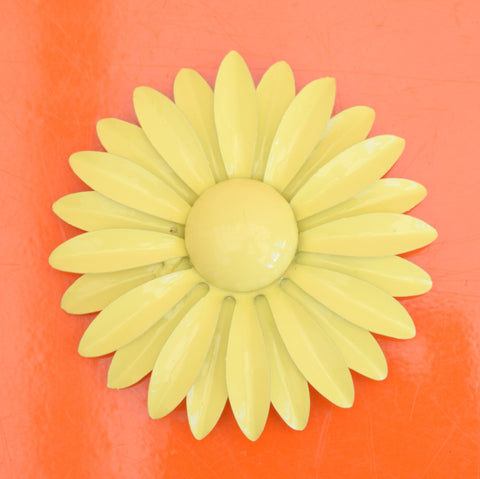 Vintage 1970s Enamel Brooch Pin - Flower Design, Lemon Yellow Daisy
