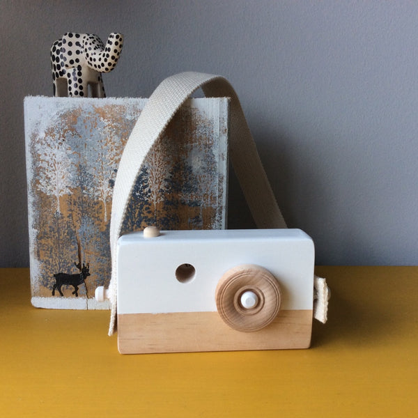 Cotton White Wooden Camera