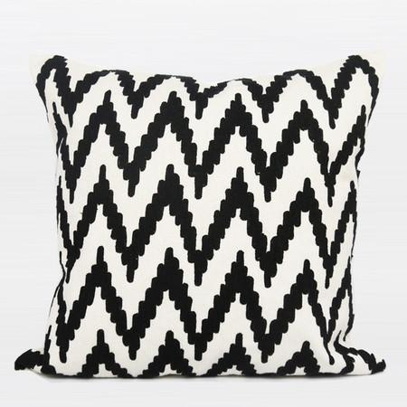 "Black And White Big Chevron Pattern Throw Pillow 20""X20"" - Gentille Home Collection - 1"