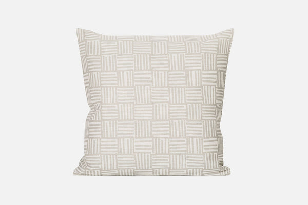 Pelto Cushion Medium