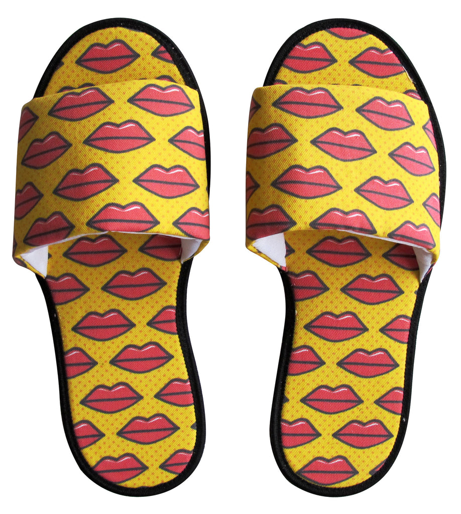 Hot Lips Hotel Slippers - size 5/6