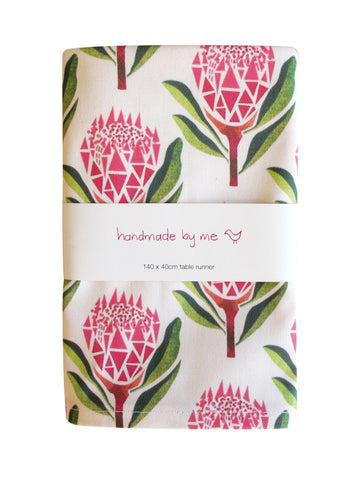 Pretty Proteas Table Runner