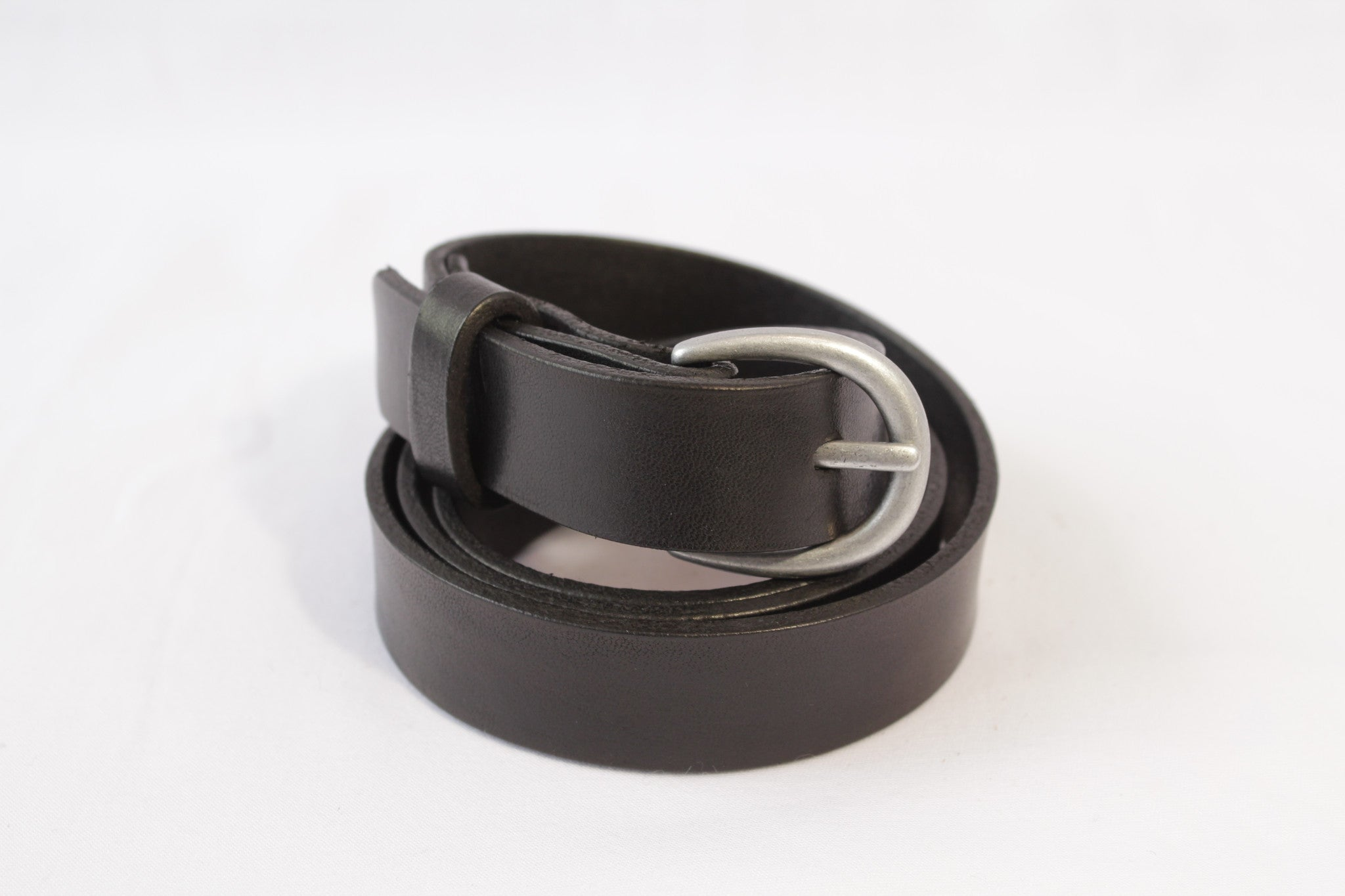 medium leather belt - black