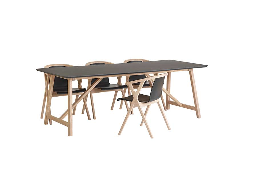 DRAGØR 502 Black Extending Table 220/320 CM, CASØ- D40Studio