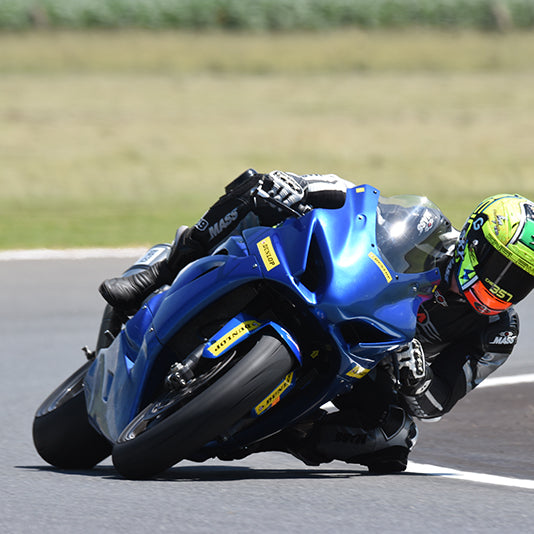 Dunlop Sponsors AJ Venter as he takes on the Isle