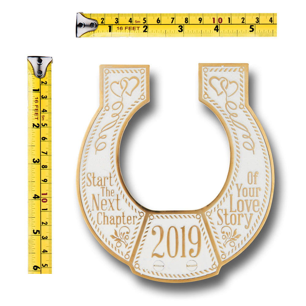 Wedding Gift 2019 Brass Lucky Horseshoe. Gift Idea For The Special Couple Or Bride From Parents, Mum, Dad, Son, Daughter, Groom Or Guest. Home Décor Ornament Or Hold Down The Aisle On The Big Day