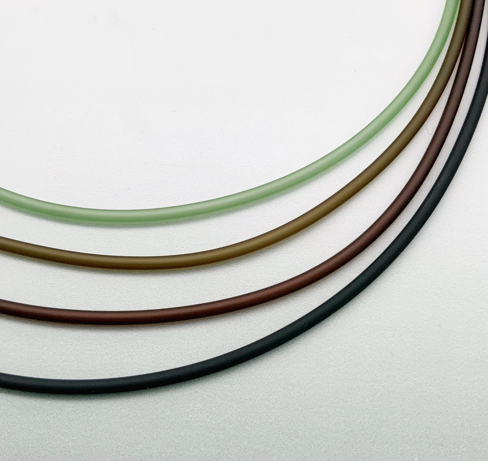 2,5mm PVC necklaces green to black