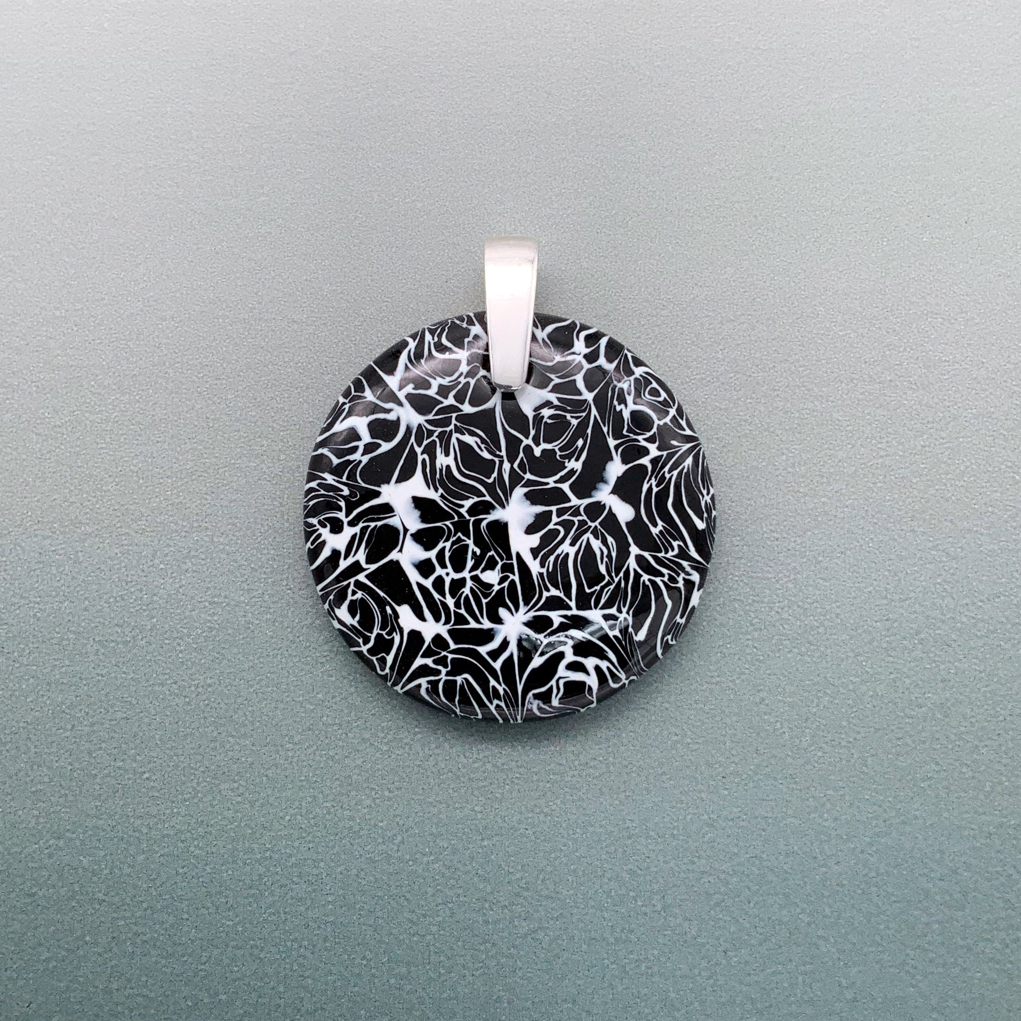 Marmo 35mm round glass pendant - black and white marble