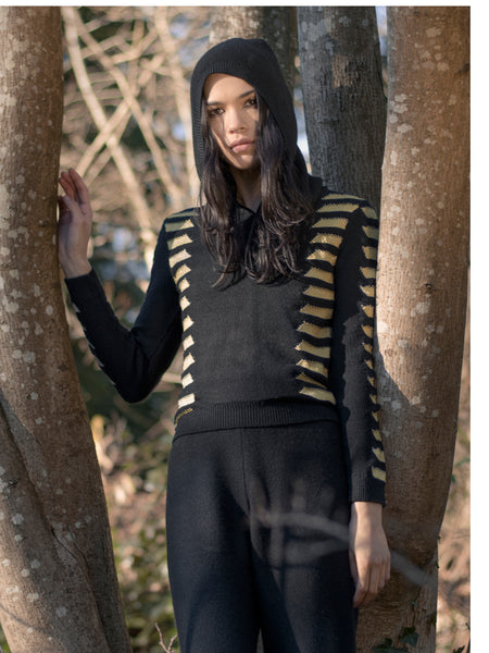 Hooded Sweater in Black/Gold - S
