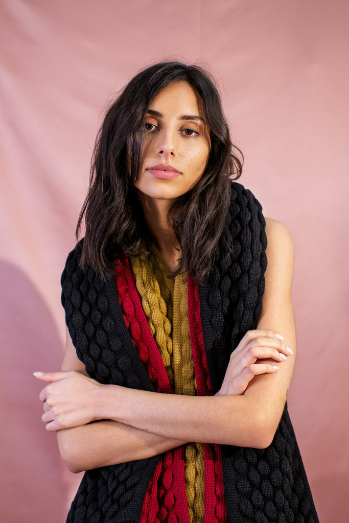LUKA Scarf in Black