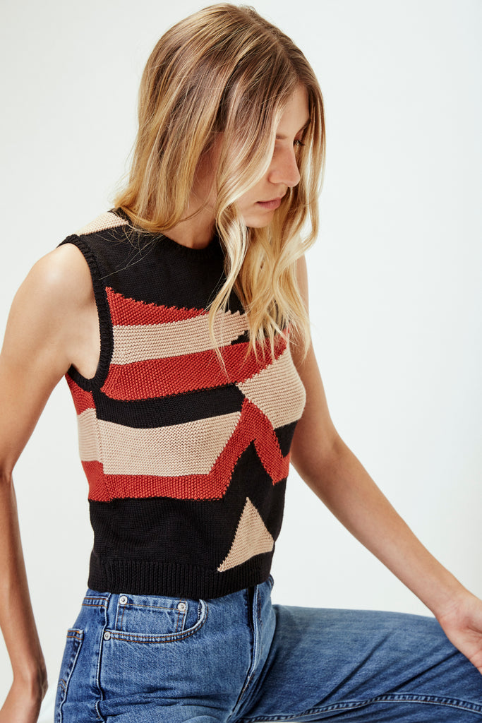 NIVES Knitted Vest in Black/Oatmeal/Rust