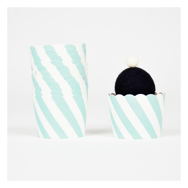 Light Blue Diagonal Striped Baking Cups