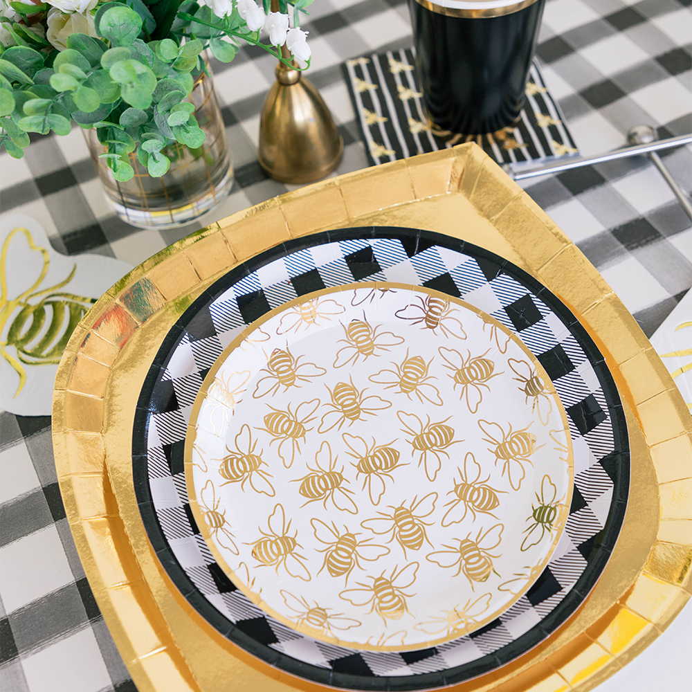 Hey, Bae-Bee Gingham Dinner Plates from Jollity & Co