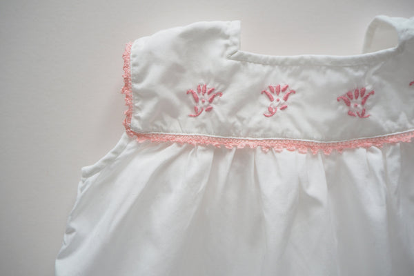 Blouse with pink embroidered flowers - 2y