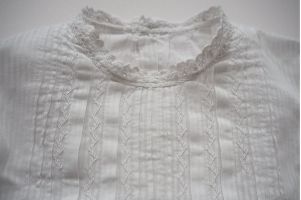 Gorgeous blouse - 12m