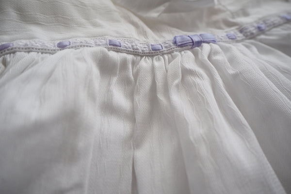 Lovely white dress with a purple ribbon - 3m
