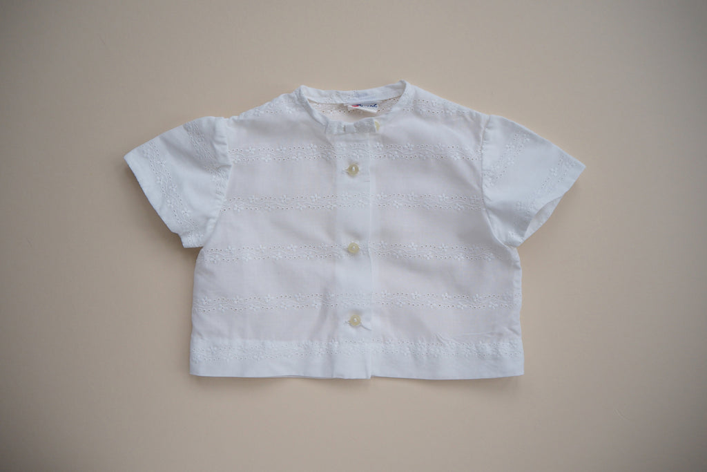 Light blouse with embroidery - 18m