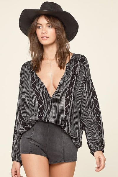 Amuse Society - Spellbound Woven Top - Black Sands | Almasty Outdoor Co.