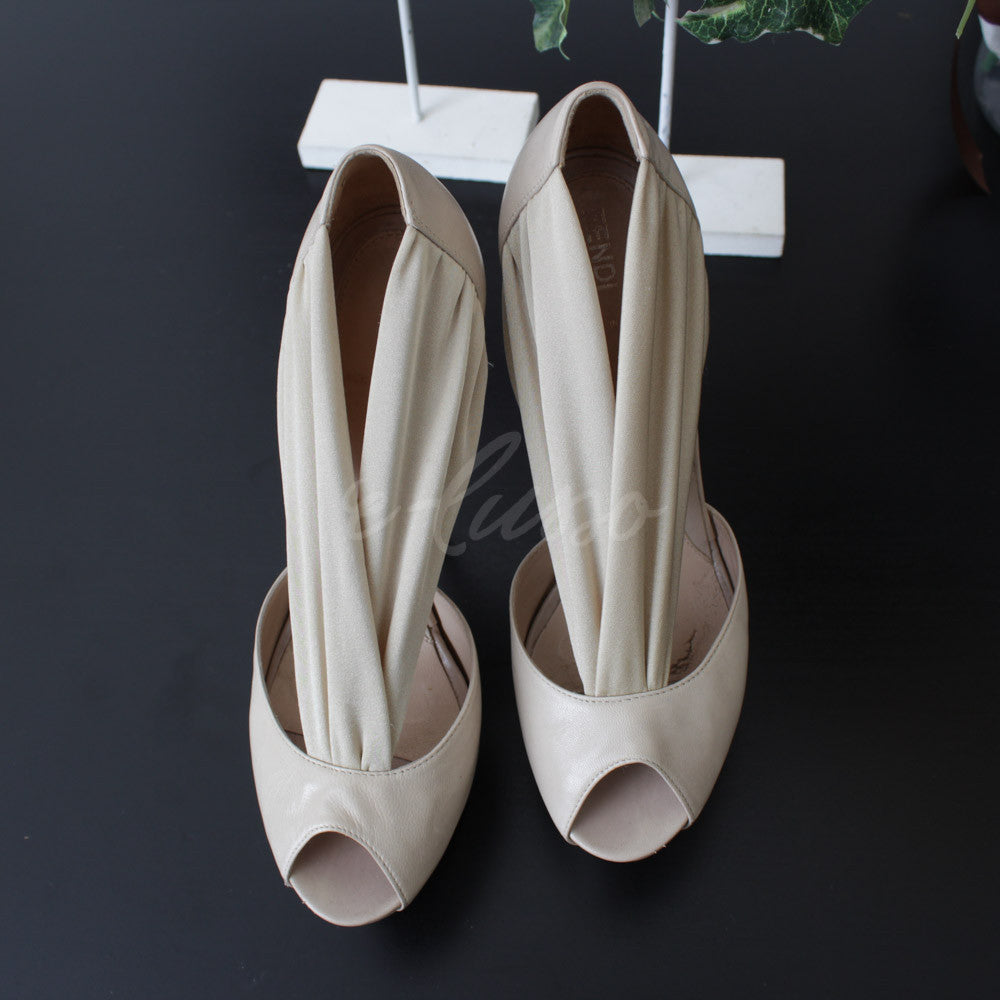 FENDI OPEN TOE BEIGE N. 40