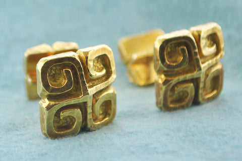 David Webb Pair of Cufflinks Double Cuff-links Greek Style in 18 Karat Yellow Gold - $12K VALUE