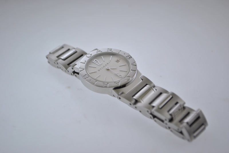 Bulgari Diagono Women's Wristwatch in SS with Silver Dial and Date - $4.5K VALUE