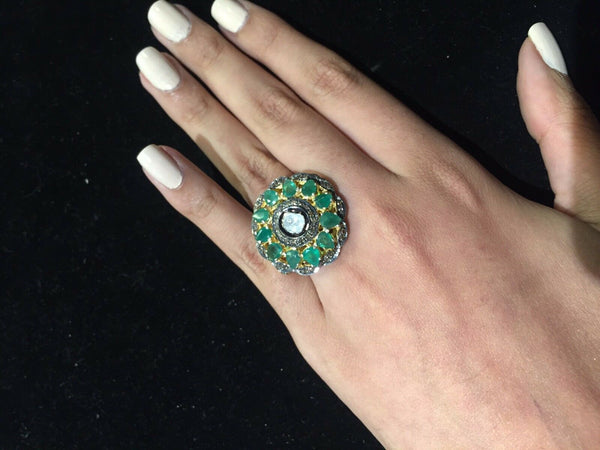 Antique Style Diamond Emerald Ring Gold/Silv Approx 1CtsDiamd, 5CtsEmrld Est$15K