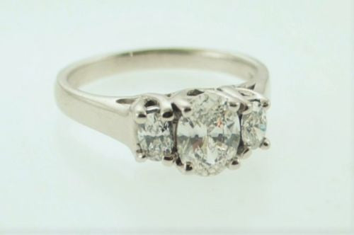 Lady's Engagement Ring Oval Brilliant Cut 3 Diamonds Ring, UGL Certified - $18K VALUE
