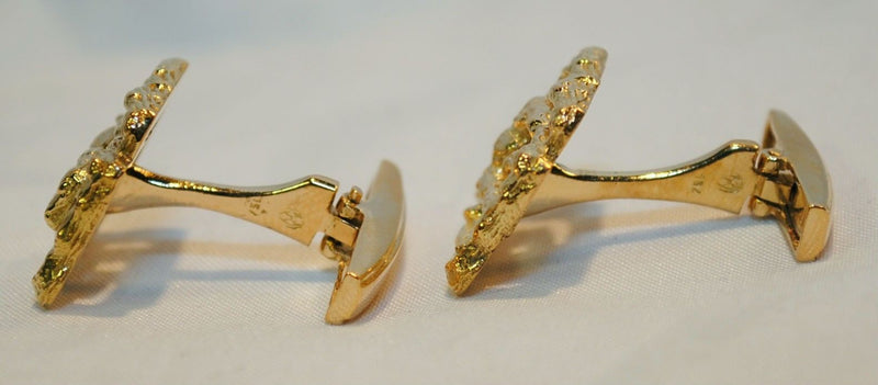 ILIAS LALAOUNIS  Vintage 1960s Textured Greek Key Cuff Links in 18K Yellow Gold - $10K VALUE