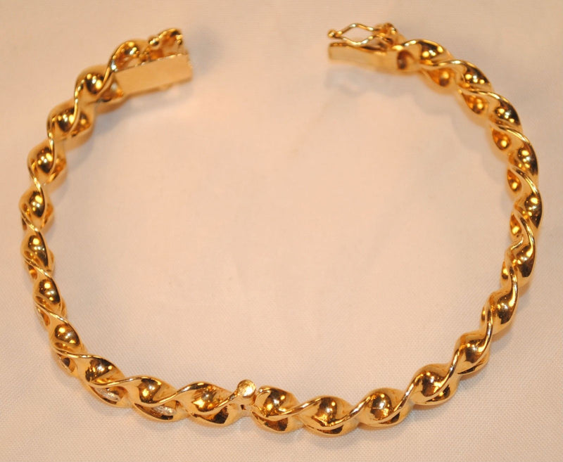 1950s Vintage 1.75 Carat Diamond Hinged Bangle Bracelet in 14K Yellow Gold - $25K VALUE