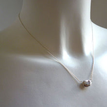 Load image into Gallery viewer, Paradiso Pebble Station Necklace