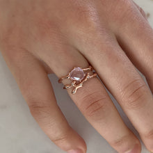 Load image into Gallery viewer, Twig Overlap Ring in 9 carat gold