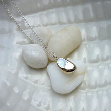 Load image into Gallery viewer, Paradiso Sterling Silver Pebble Charm Necklace