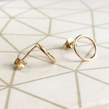 Load image into Gallery viewer, 9 Carat Gold Circle Stud Earrings