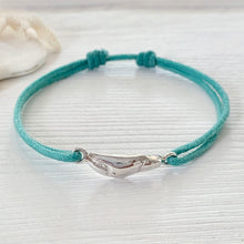 Load image into Gallery viewer, Paradiso Crab Claw Friendship Bracelet in Sterling Silver