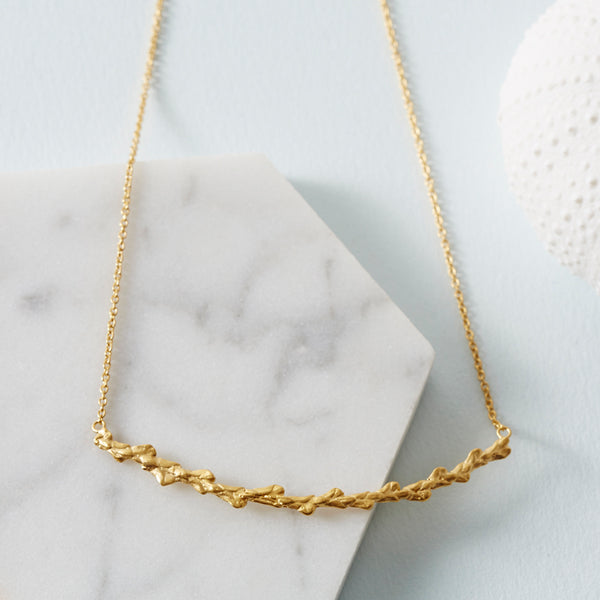 Conifer Leaf Curve Necklace