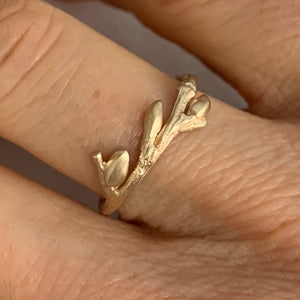 Willow Twig Ring in 9 carat Gold