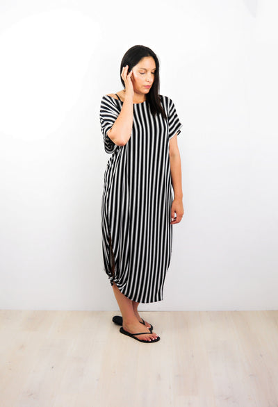 B/W Pencil Vertical Striped Many-Way Maxi
