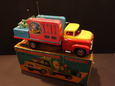 MASUDAYA Communication Truck with Astronaut  + original box 1950