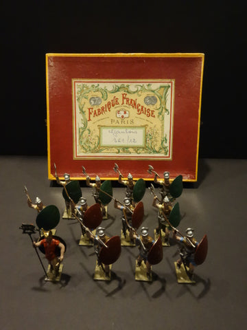 CBG-MIGNOT 12 GAULOIS SOLDIERS  Mint + Box 1930-50