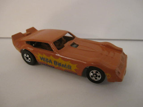 HOT WHEELS Chevrolet VEGA BOMB Salmon France
