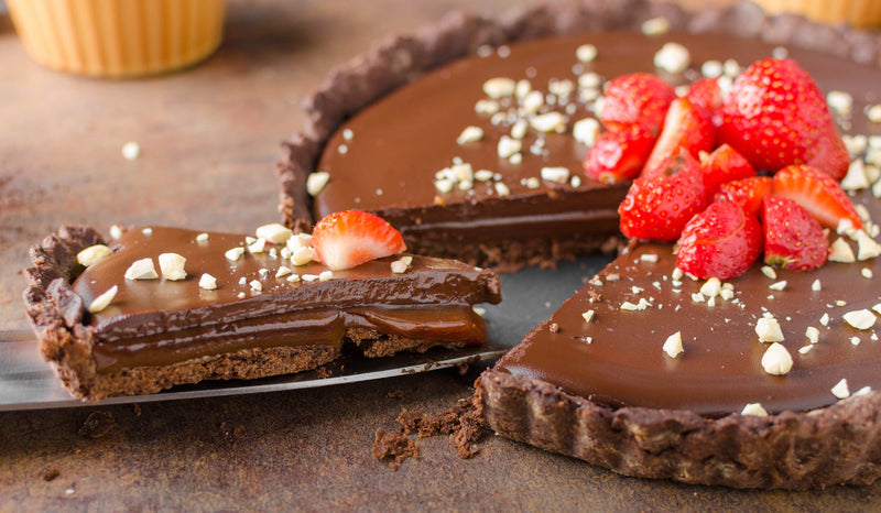 Rawsome Chocolate Pudding Tart With Goji Berries