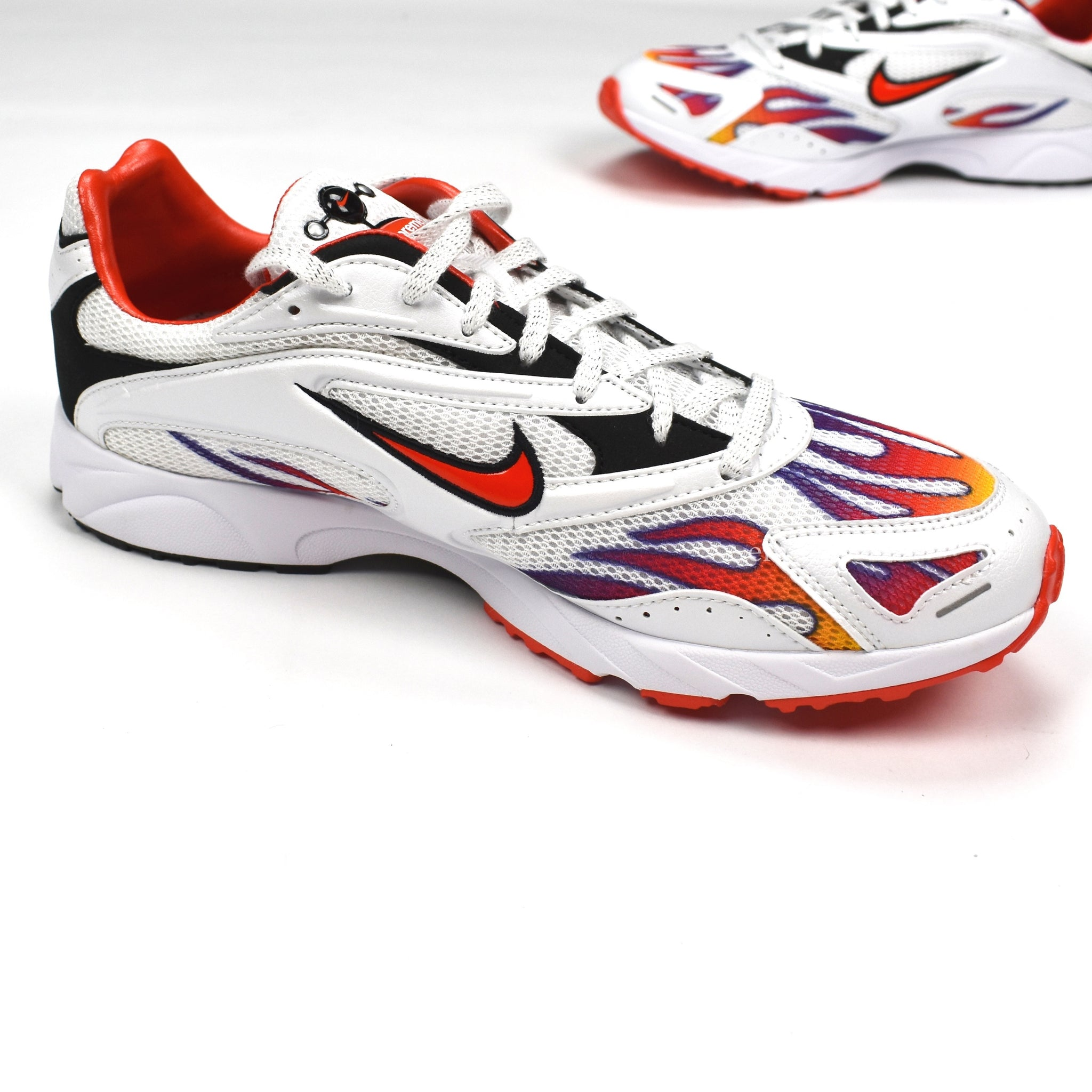 ca5bdcbea7547 Supreme x Nike - Men s Zoom Streak Spectrum Plus Sneakers (White ...
