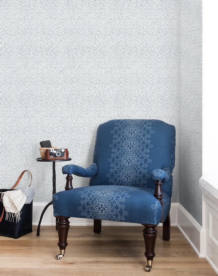 Pebble Navy On White Wallpaper