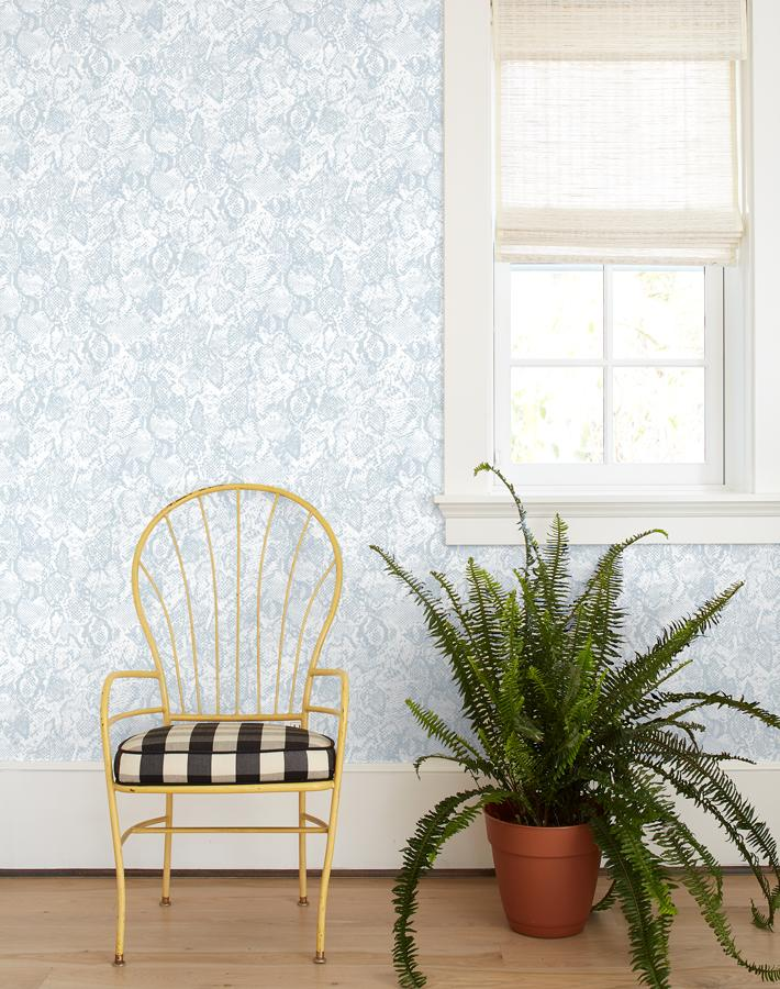 Serpentine Wallpaper - Cement - Wallshoppe