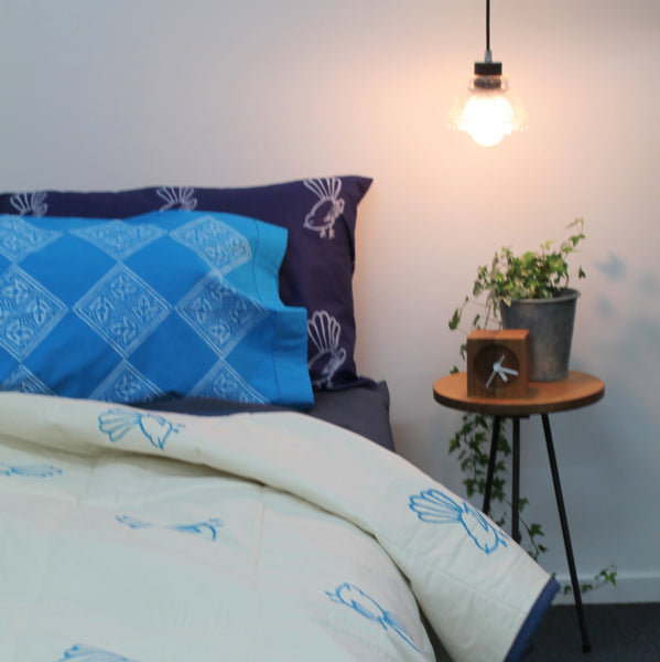 Quilt/Throw Fantails and Red Copenhagen