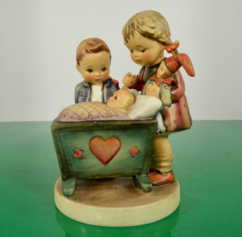 Hummel Figurine BLESSED EVENT Germany HUM 333 Goebel TMK 5 Newborn Baby