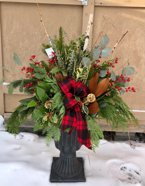 Rustic Outdoor Arrangement