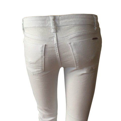 The Ginny Cropped Jean by Hudson (USA) is cropped and cuffed. Comfortable stretch in a clean white denim. Regular rise stretch denim, five pocket, zip fly. Perfection !