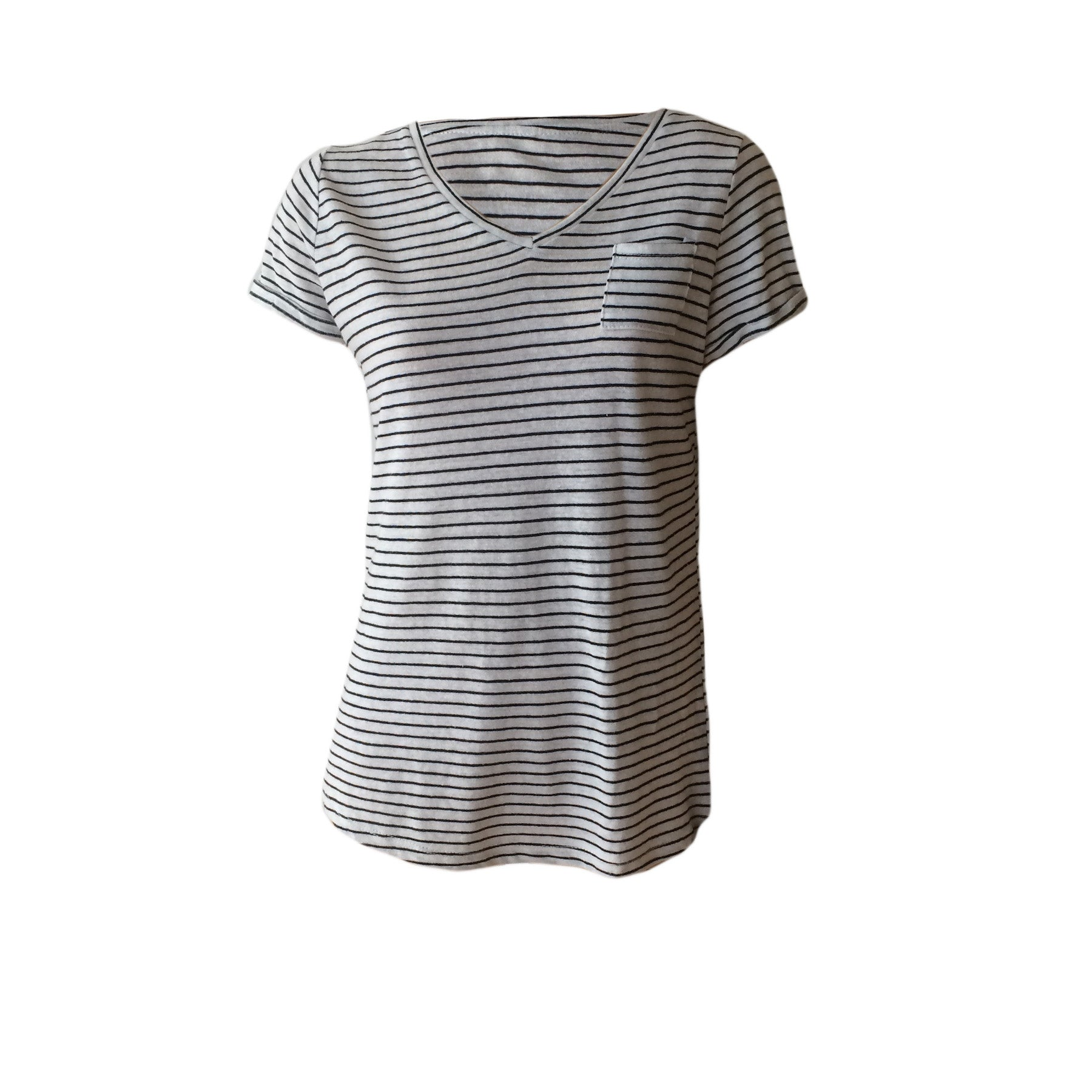This great V Neck Pocket Tee in White with narrow black stripes by US label Hayden LA is the perfect Summer Tee. Combine with shorts or jeans for a fresh look.